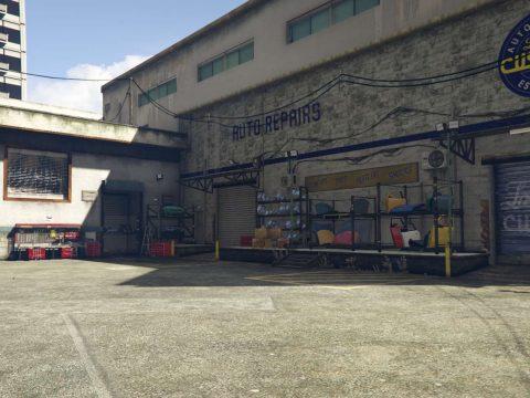 Garage in Los Sanos exterior and interior 1
