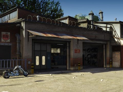 Lost MC Clubhouse Garage 1.0
